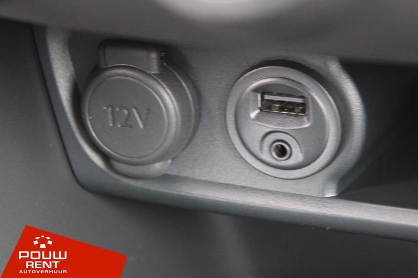 Kleine middenklasse auto